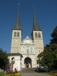 13Hofkirche_convert_20130525204238.jpg