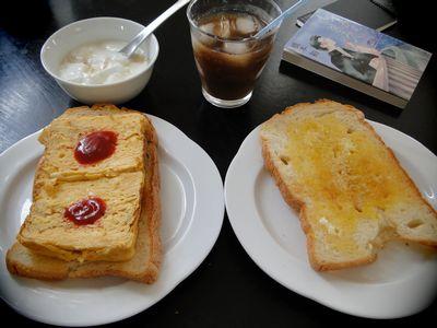 厚焼き玉子のトーストサンド1