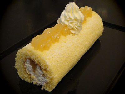 レモンのロールケーキ