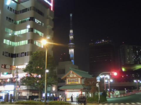 浅草駅からのスカイツリーナイトアップ