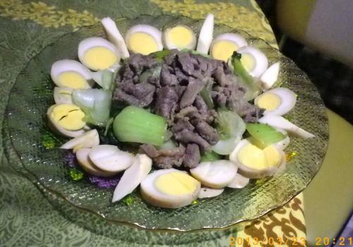 2013年3月23日 たくちゃん作牛肉とチンゲン菜のソテー