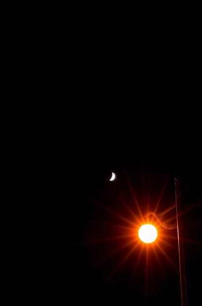 夜空に浮かぶ