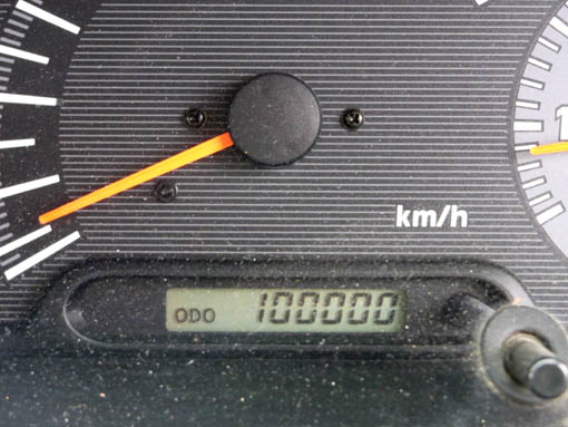100000-1.jpg