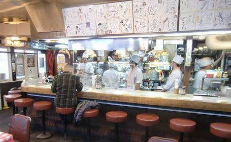 ヨシカミのオープンキッチン