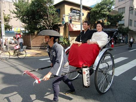 東武浅草駅近くで見掛けた人力車