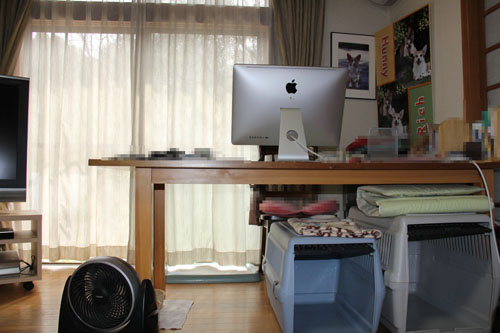 机の上のMac