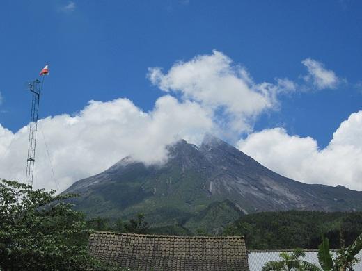 035ムラピ山