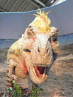 毛のあるティラノサウルスの京セラドーム