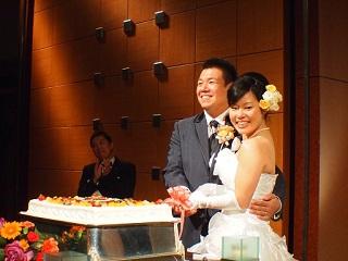 たっきー結婚式ケーキ入刀