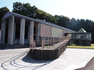 岡乃山美術館全景
