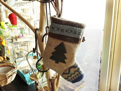 止まり木もクリスマス