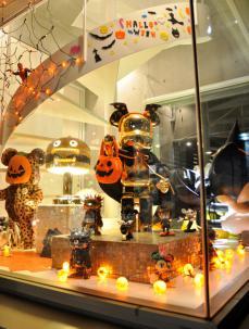 halloween2012instibctoy-shop-02.jpg