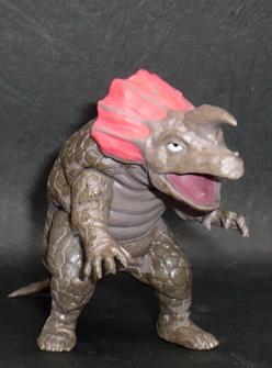 カプセル怪獣アギラ