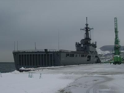 2013-3-1輸送艦02