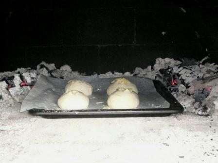 パン窯入れ P1050151