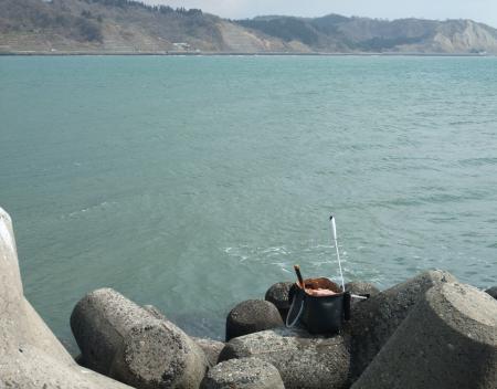 今日の釣り座、本堤の角っこ