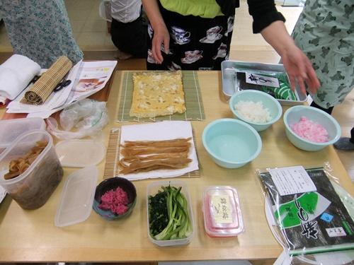 2013.4.21 料理教室(太巻き寿司) 002