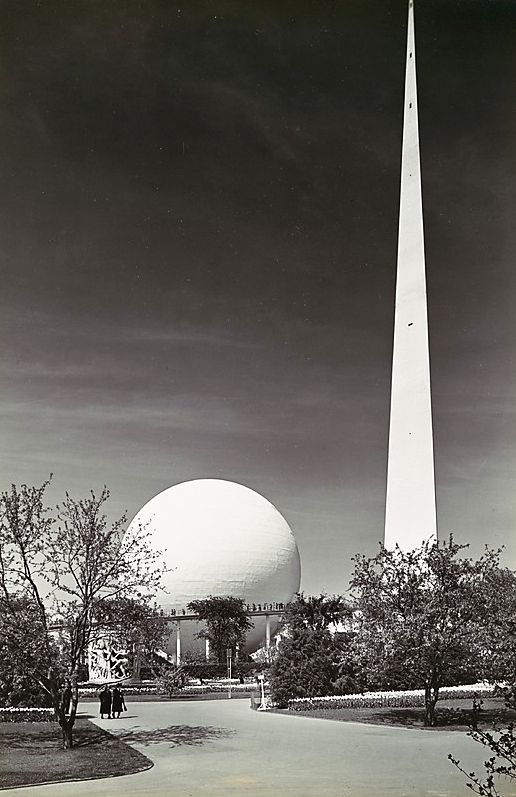 Trylon and Perisphere Photo 1