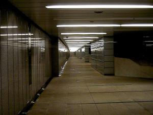 西新宿地下道