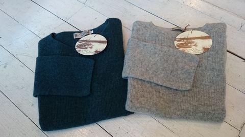 JFL141209_緑灰セーター全体