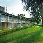 lone-pine-hotel.jpg