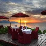 sunset-dining-at-uncle.jpg