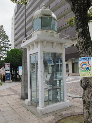 灯台型公衆電話ボックス