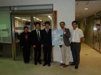 石川県国際交流協会の前で