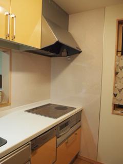 キッチンと換気扇の掃除。