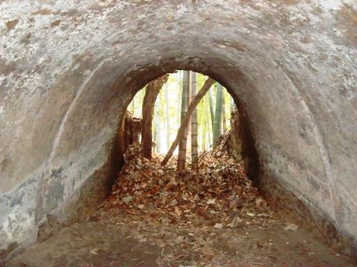 宮ノ前横穴墓群玄室より