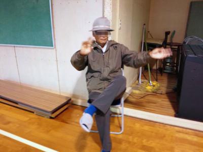 踊るF氏!