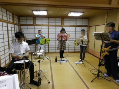 和室で合奏
