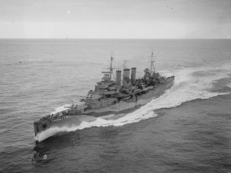 HMS_Kent_285429.jpg