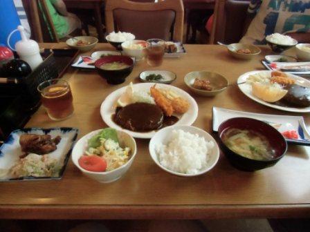 合宿1日目の夕食