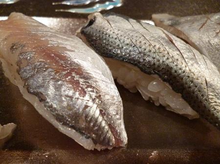 酢で〆ると小魚の小骨が柔らかくなるんです