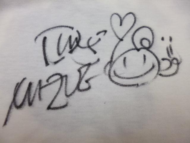 で,まりさんにサインもらっちゃいました