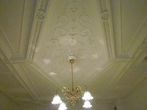 天井の漆喰の鏝絵がすごいです