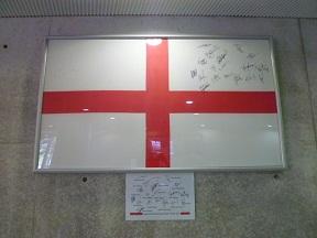 イングランドの国旗ってシンプルでいいですね
