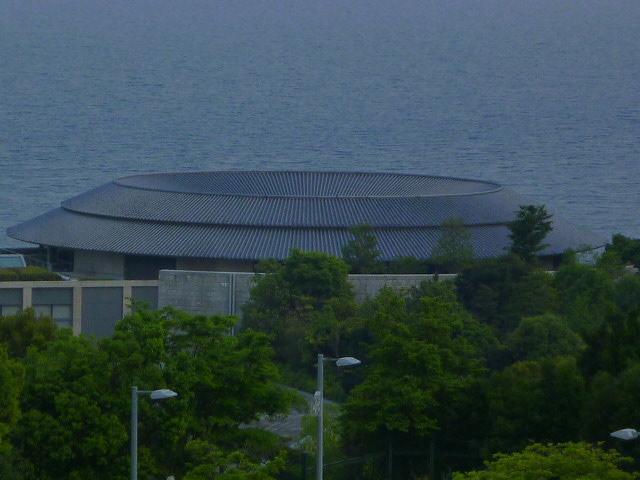 ホテル側から 奥は海です
