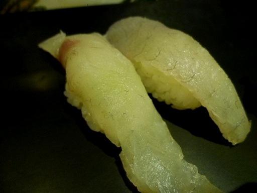 甘ダイは水分が多いので,昆布締めにすることが多いですね コチは白身の底魚です