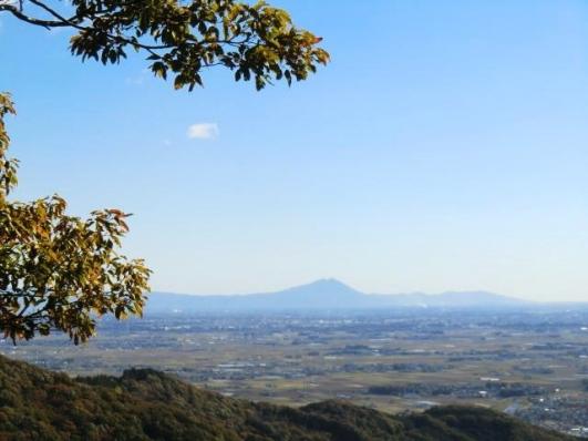 関東平野に浮かぶ筑波山