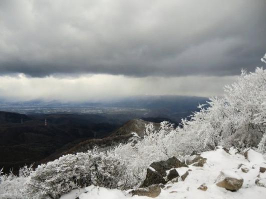 北部は雪雲の中