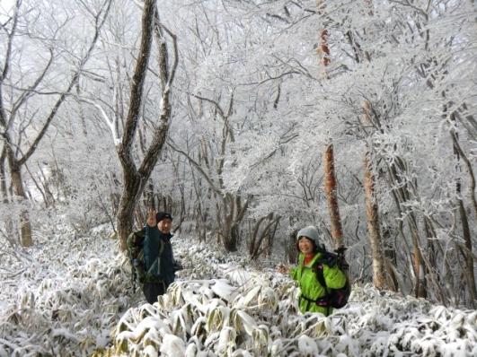 霧氷の森にご満悦のふたり