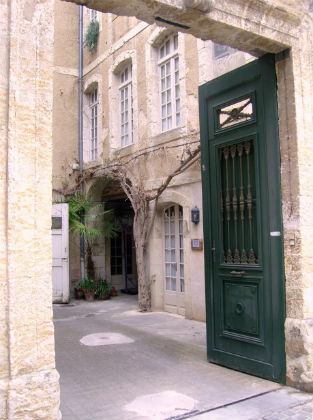 town-house-in-auch-france.jpg