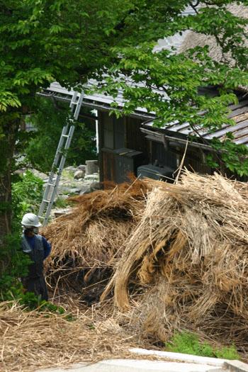 茅葺き屋根の葺き替え⑤