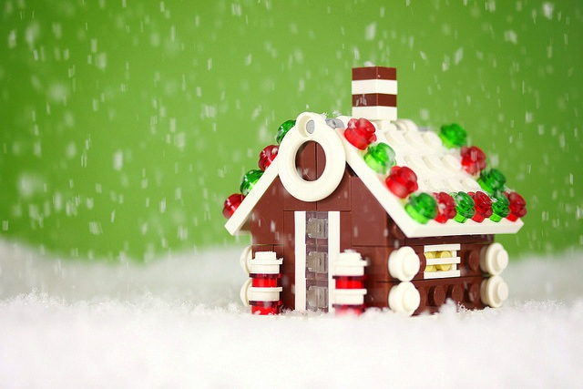 Gingerbread_20House_original.jpg