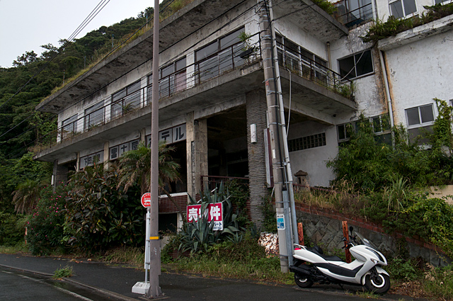120701_017_下田の廃屋