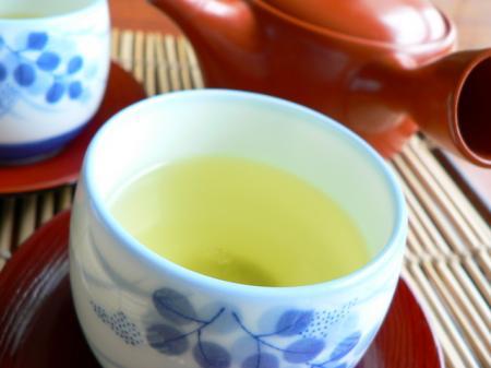 さわやかな香りと旨み 新茶の季節!