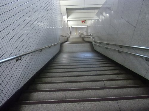 半蔵門線 丸の内線 階段