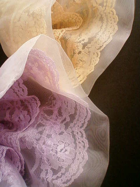 lace_violet_cream.jpg